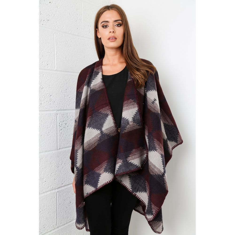 checked-aztec-cape-in-grey-p812-5374_zoom