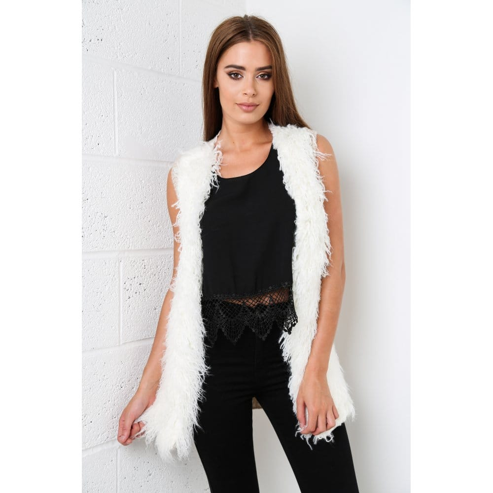 shaggy-faux-fur-gilet-in-cream-p808-5351_zoom