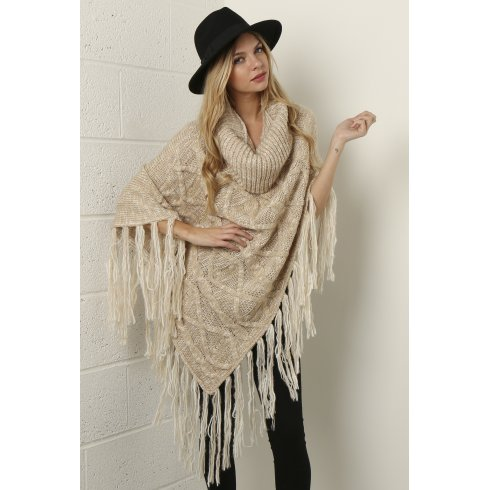 Cable Knit Shawl in Beige