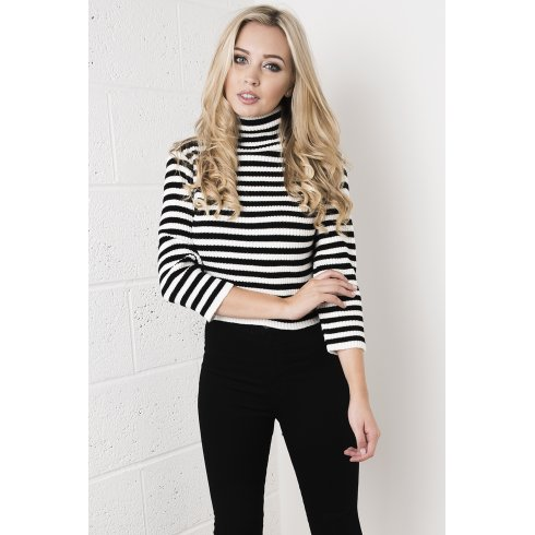 Cropped Long Sleeve Knitted Jumper in Monochrome